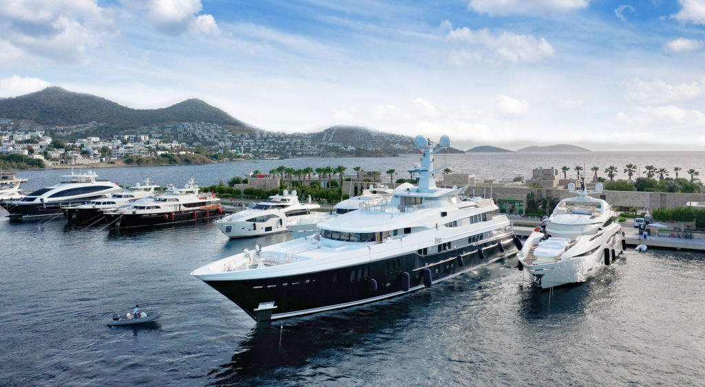 Yalıkavak Marina hosts the first mega yachts of the season!